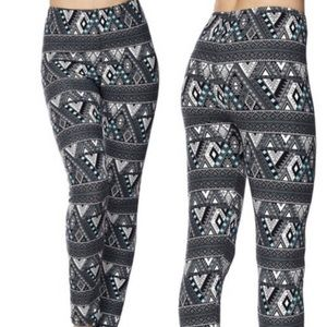 Pants - NWT Buttery Soft All Over Print Leggings OS